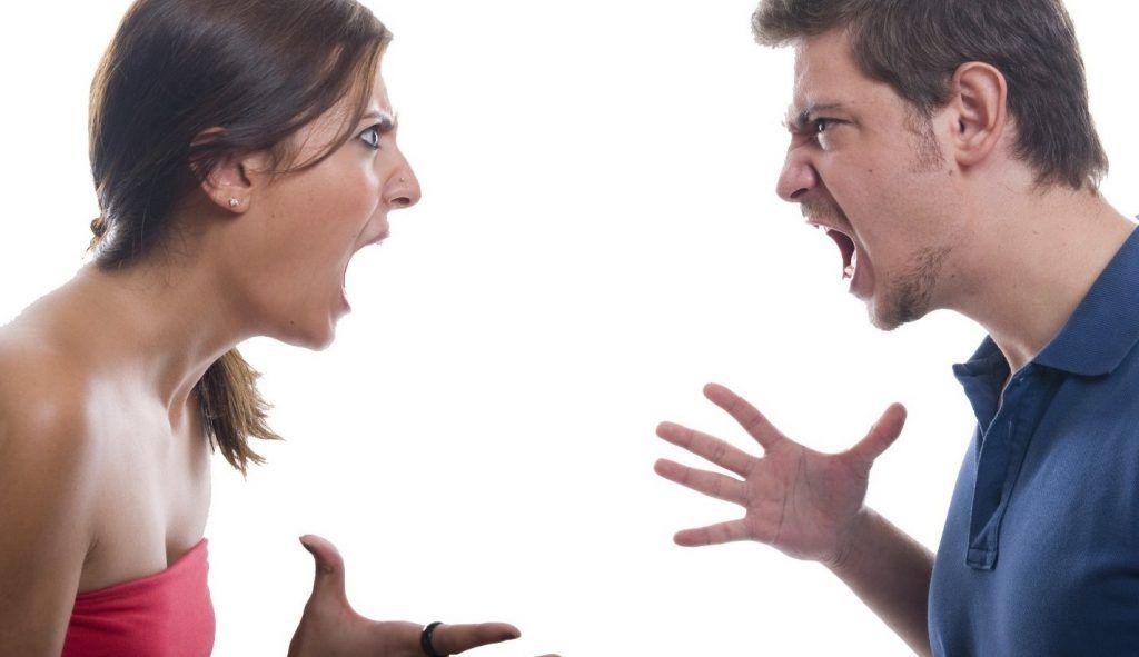 brigas em reunião de condomínio assembleia condominial discussão