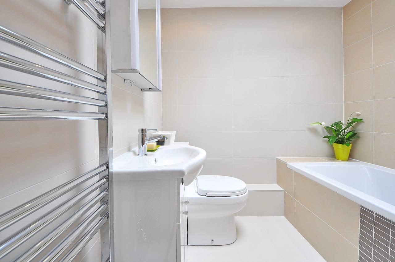 vazamento em banheiro apartamento infiltração