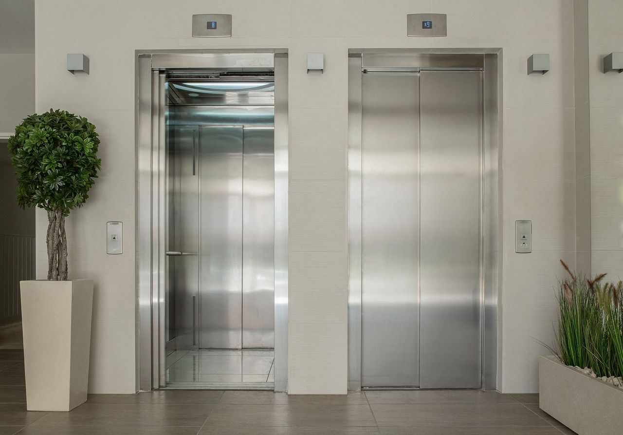 investimentos elevadores geradores para raios e impermeabilização no condomínio