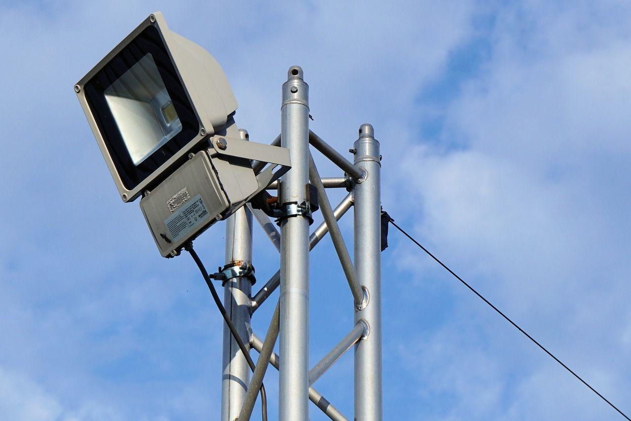 manutenção de quadras poliesportivas e quadras de esportes no condomínio iluminação