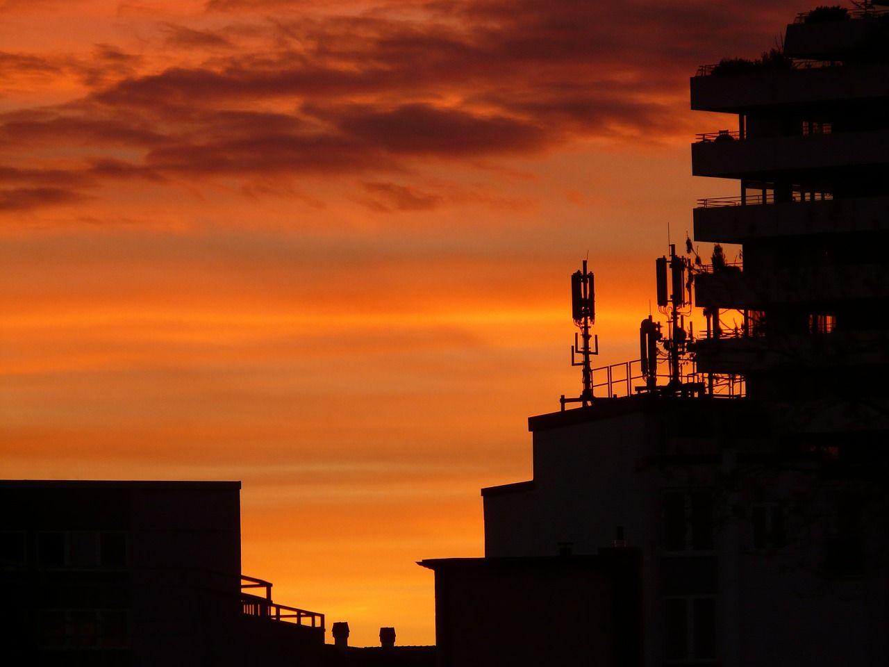 alugar o topo do prédio para a instalação de antenas