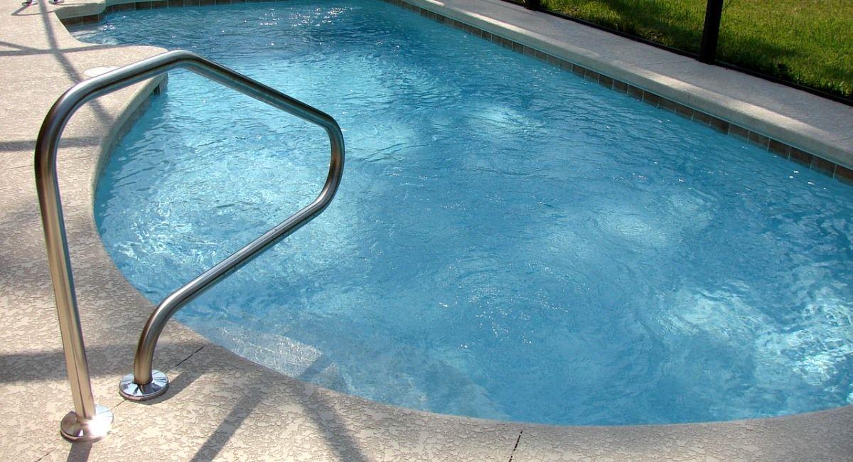 piscina de alvenaria e concreto como construir