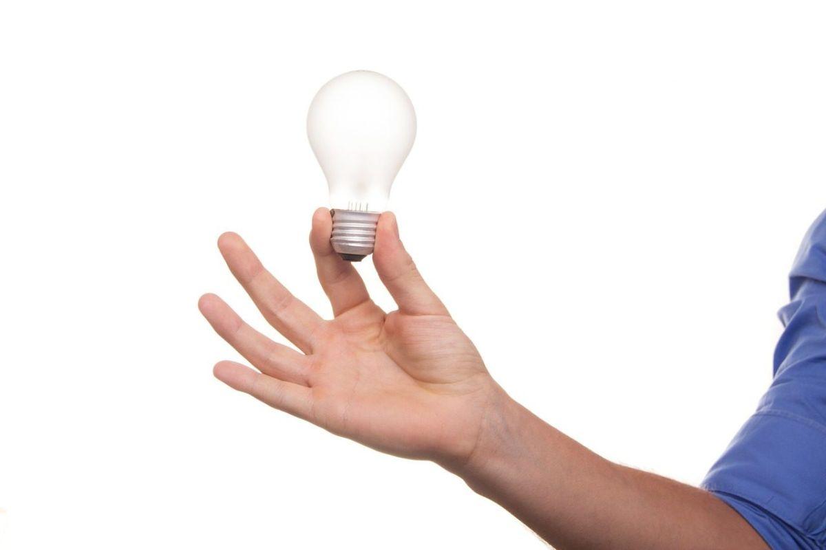 como economizar energia na indústria