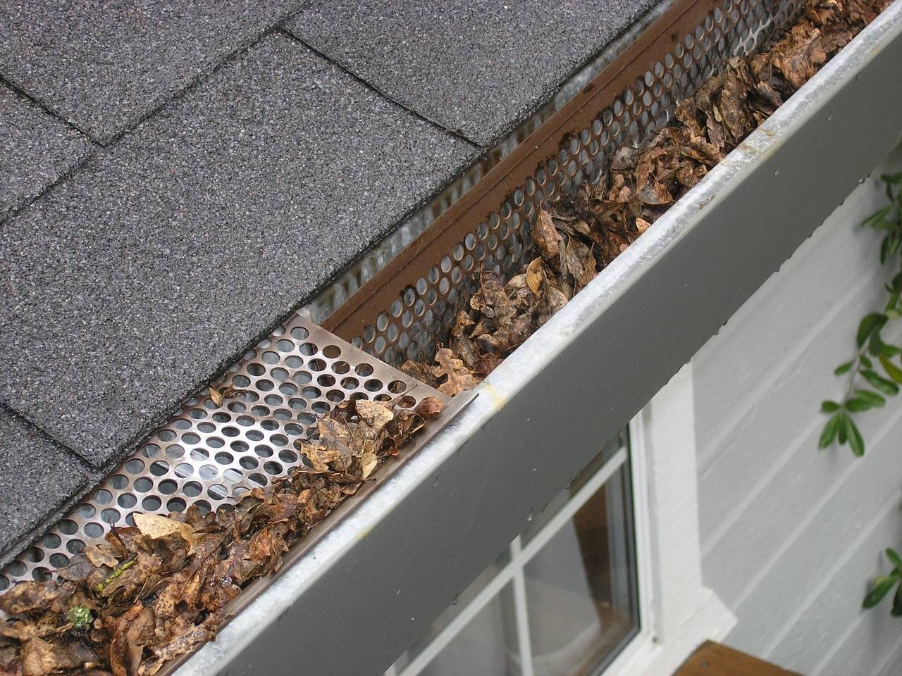 reforma de telhados problemas nas calhas e rufos