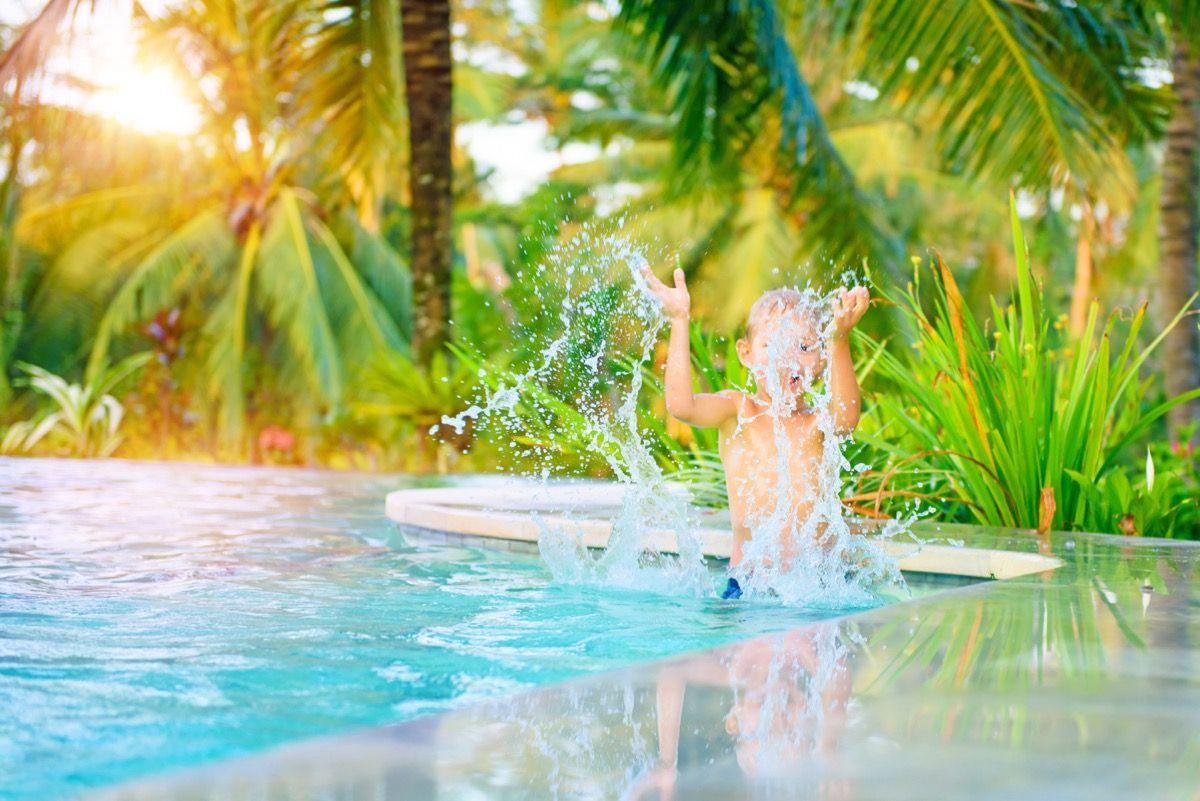5 vantagens e 4 desvantagens de condom nio com piscina - Piscinas desmontables rigidas ...