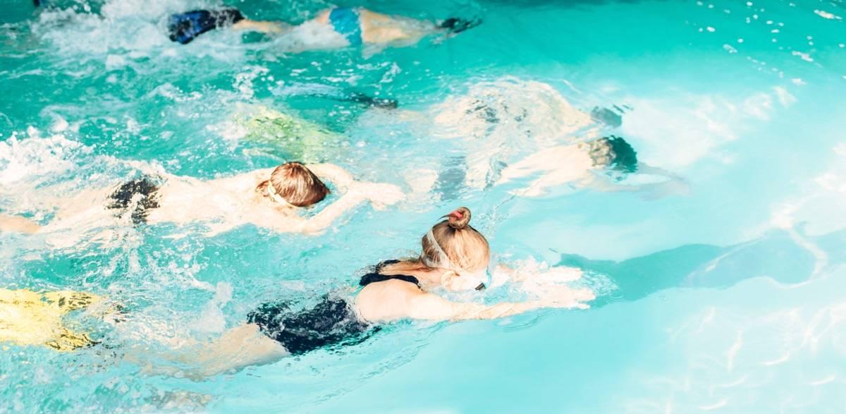 condomínio com piscina vantagens