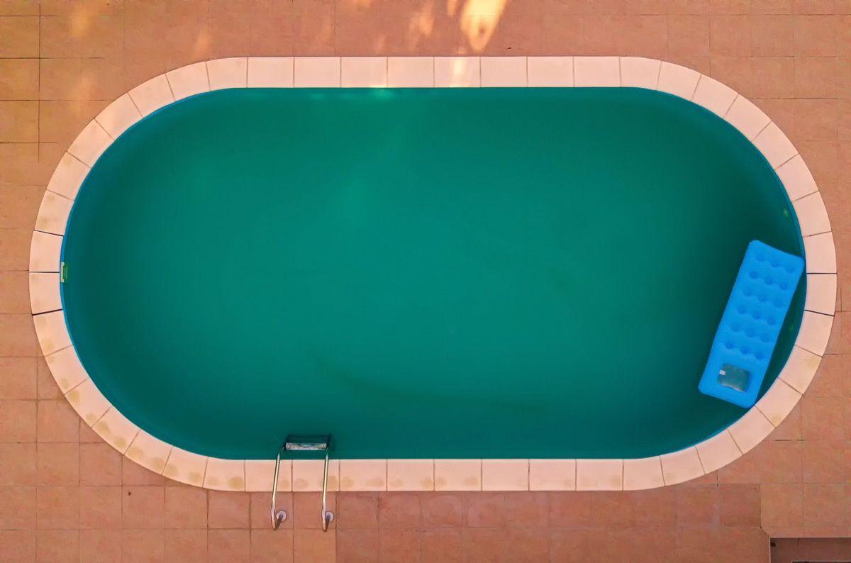 reformar a piscina do condomínio