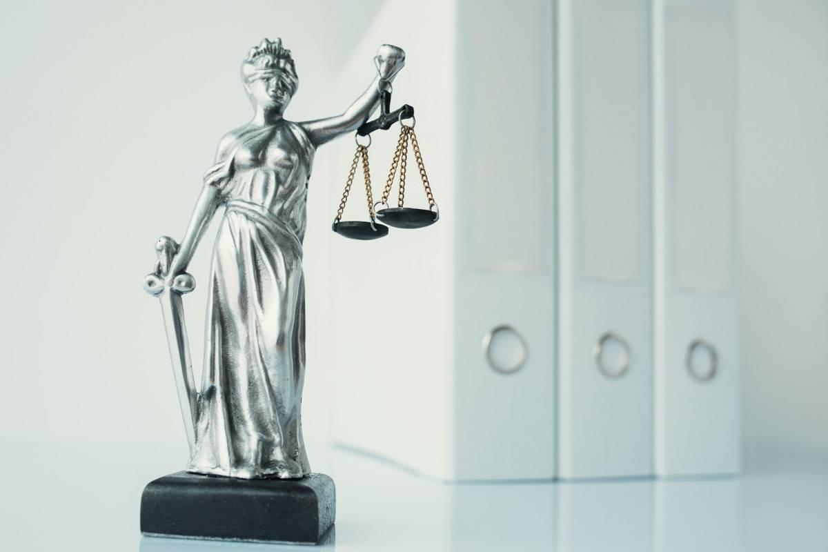 leis de condomínio vazamentos