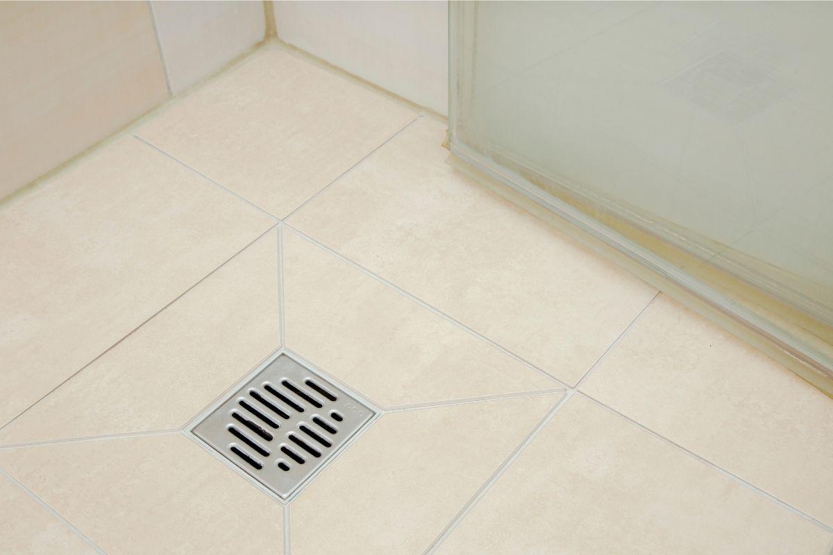 como identificar vazamento em banheiro