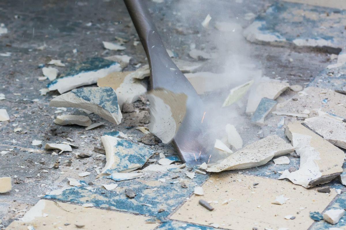 colocar cerâmica na laje resolve infiltração