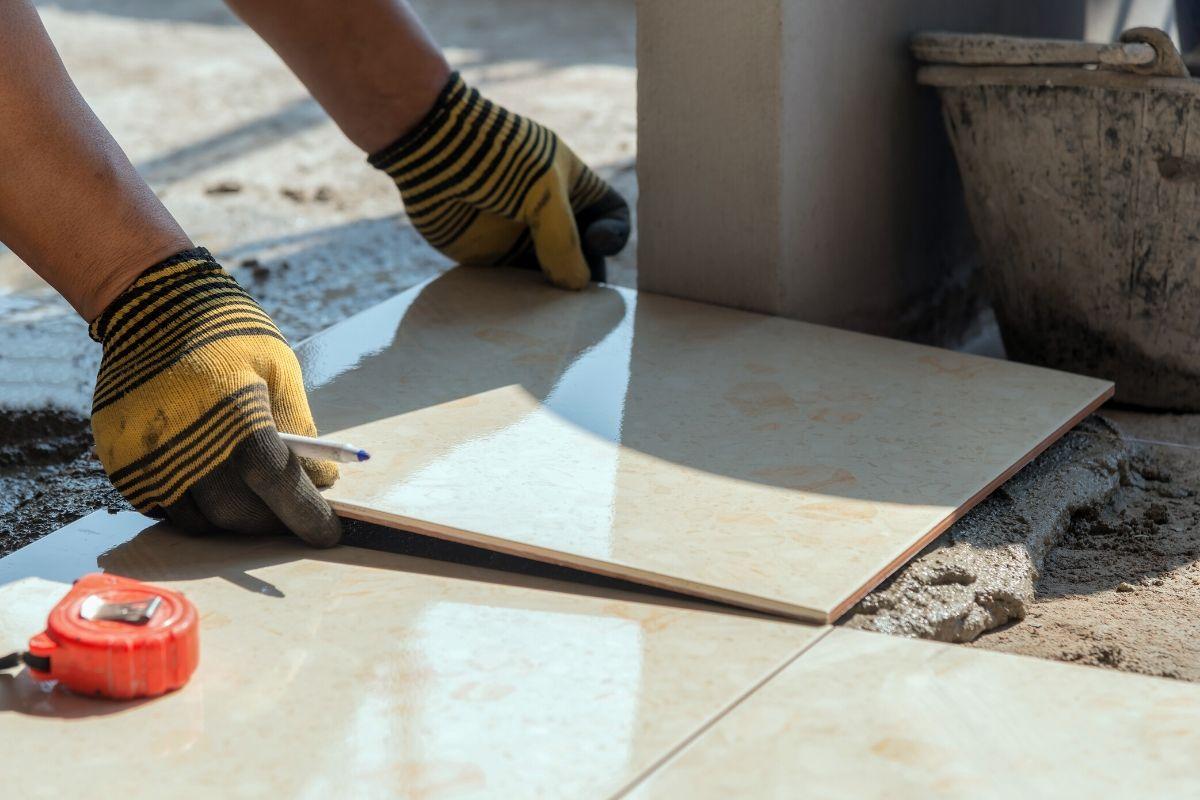 colocar cerâmica na laje resolve infiltração porcelanato